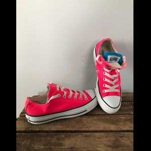 Pink Converse w/blue accent- Great Condition!